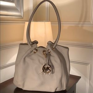 Michael Kors soft leather bucket tote